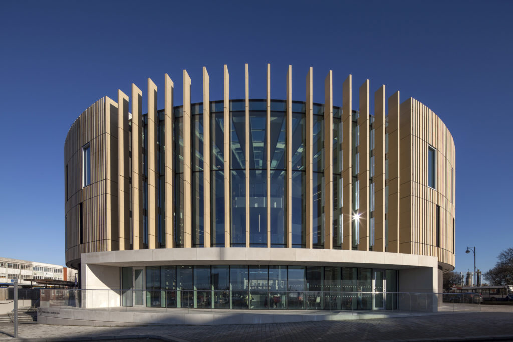Kingspan TEK Cladding Panel Curve
